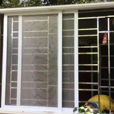 cửa lưới lùa cửa sổ